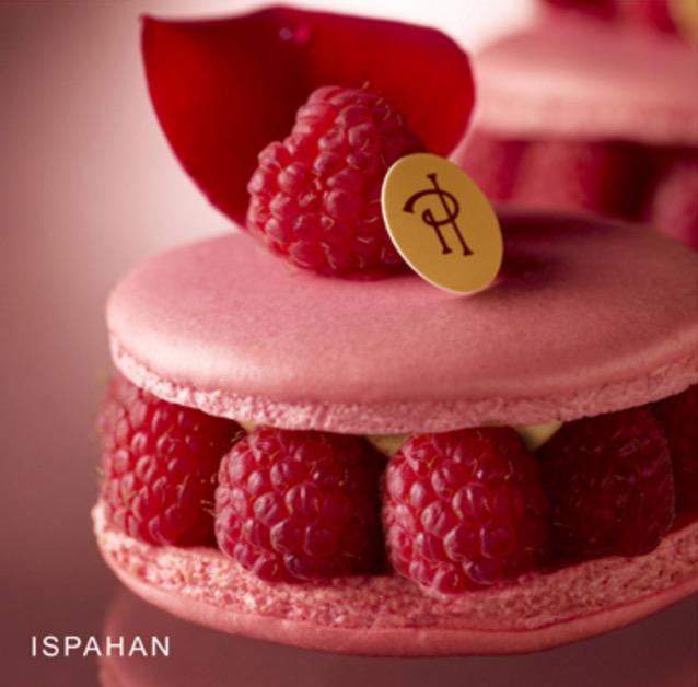 ISPAHAN 法文唸作「伊絲巴漢」,是Pierre Hermés最有名的作品之一。