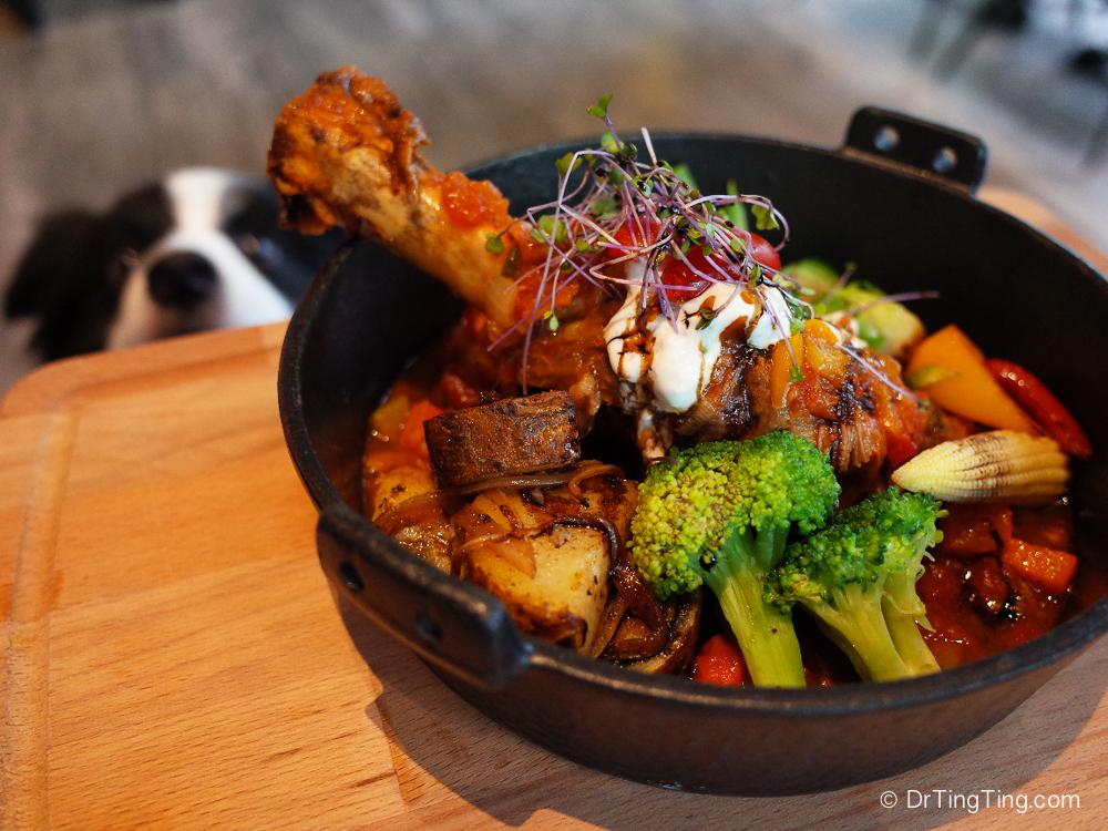 【台北/內湖】半空中廚房 Midair Kitchen/餐桌有酒/超霸氣帶骨戰斧豬排/為什麼我們不去寵物餐廳